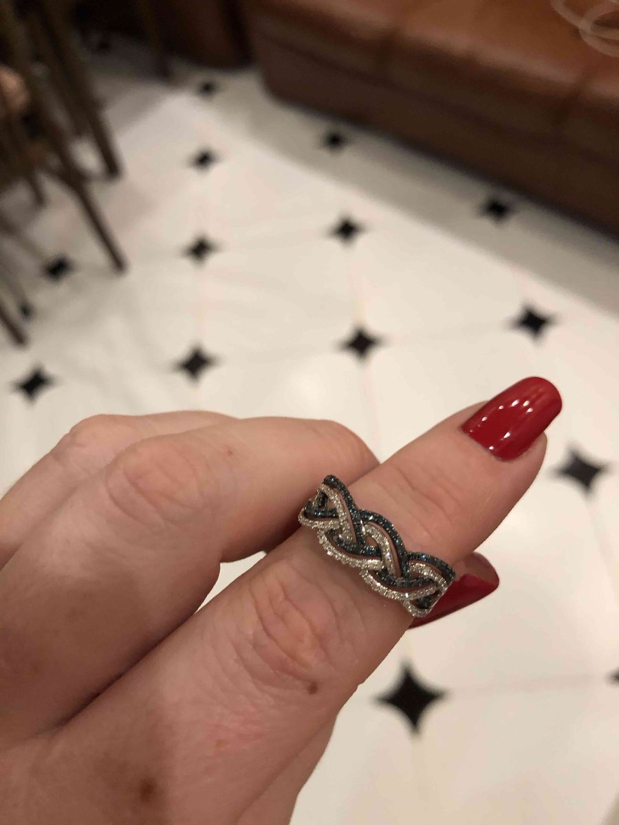 Очень нежное и красивое кольцо!