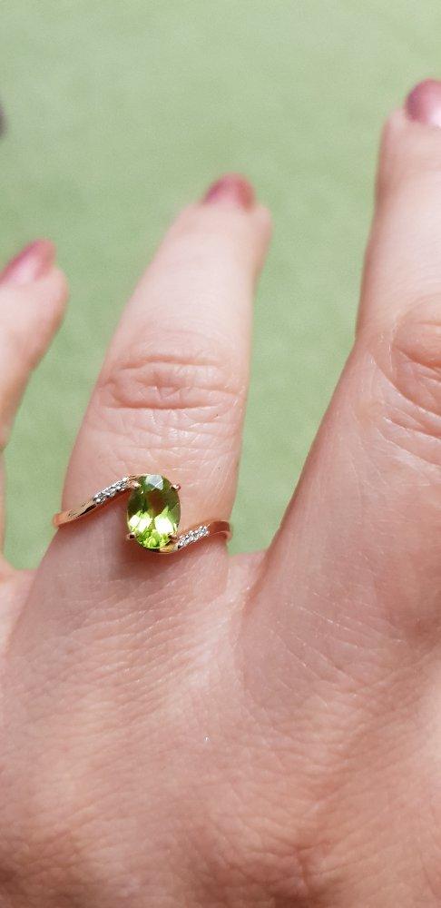 Нежное кольцо с хризолитом