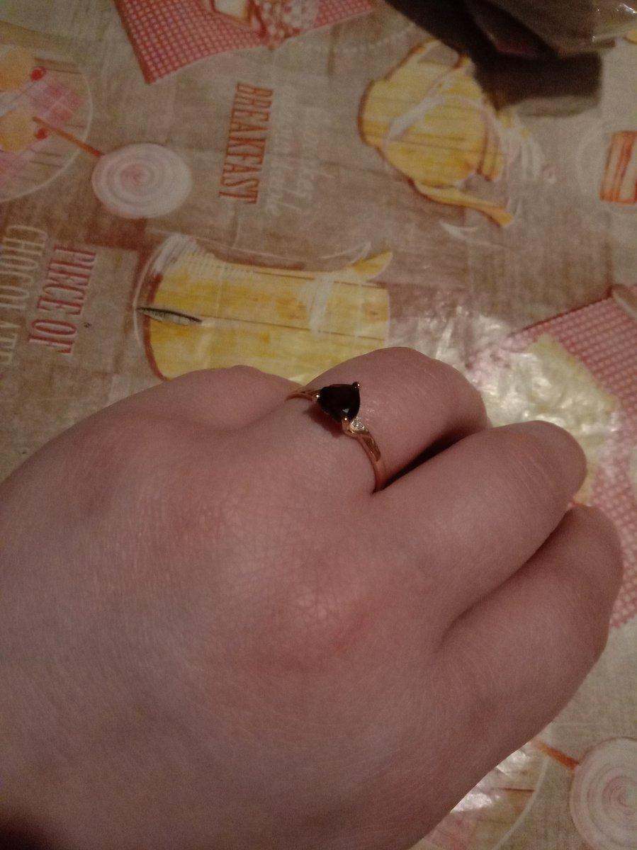 Кольцо с гранатом и бриллиантиками💃💃💃