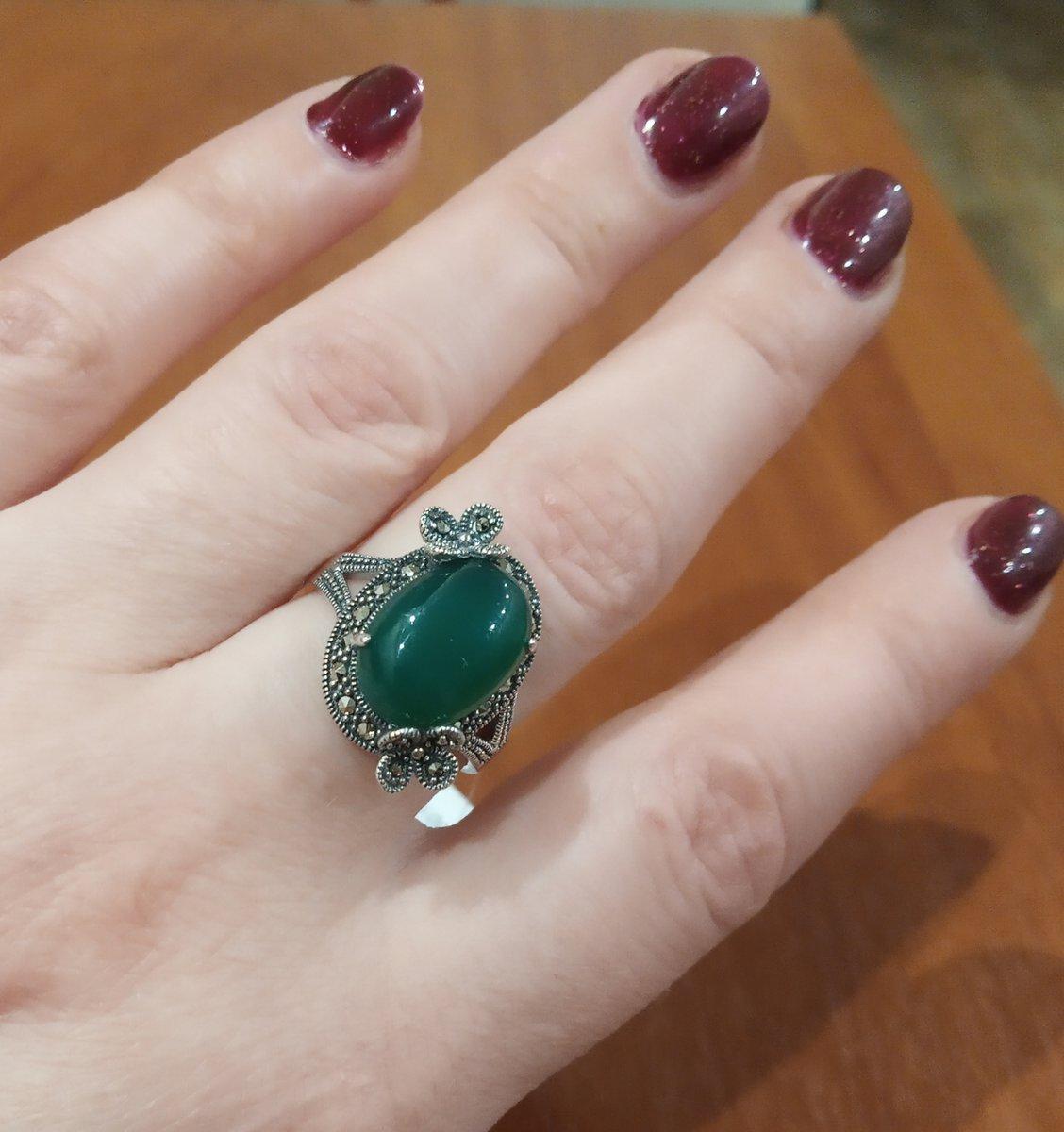 Серебряное кольцо с хризопразами