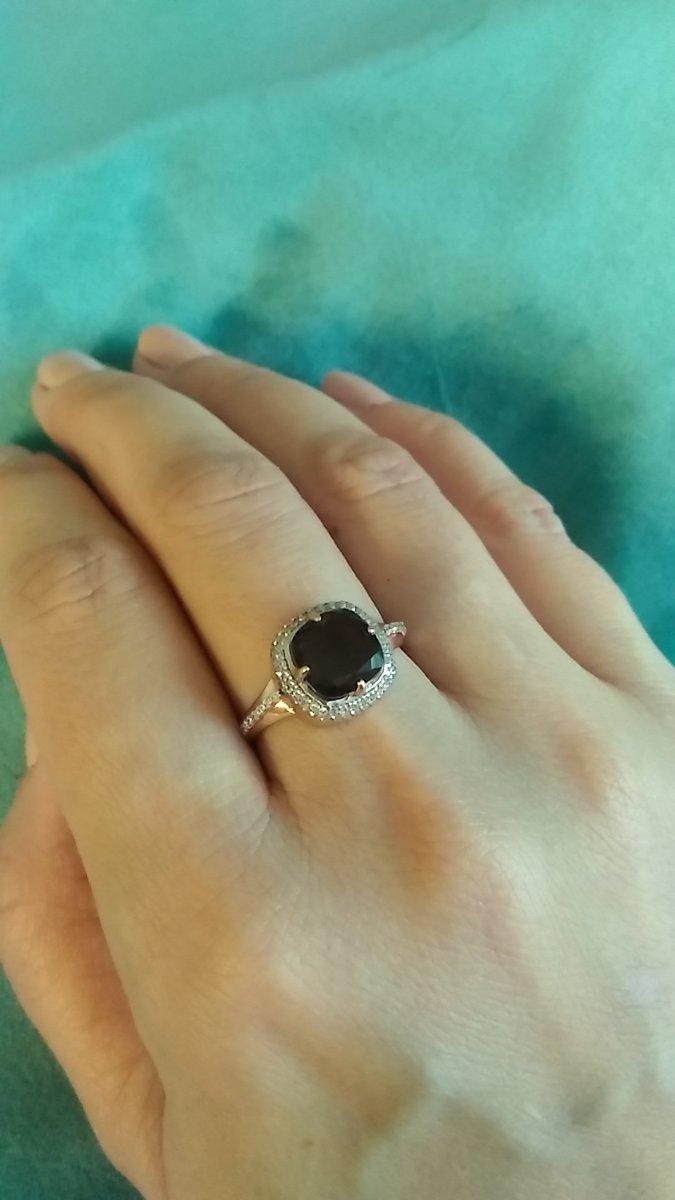 Серебряное кольцо с раухтопазом и фианитами. размер 17.5.