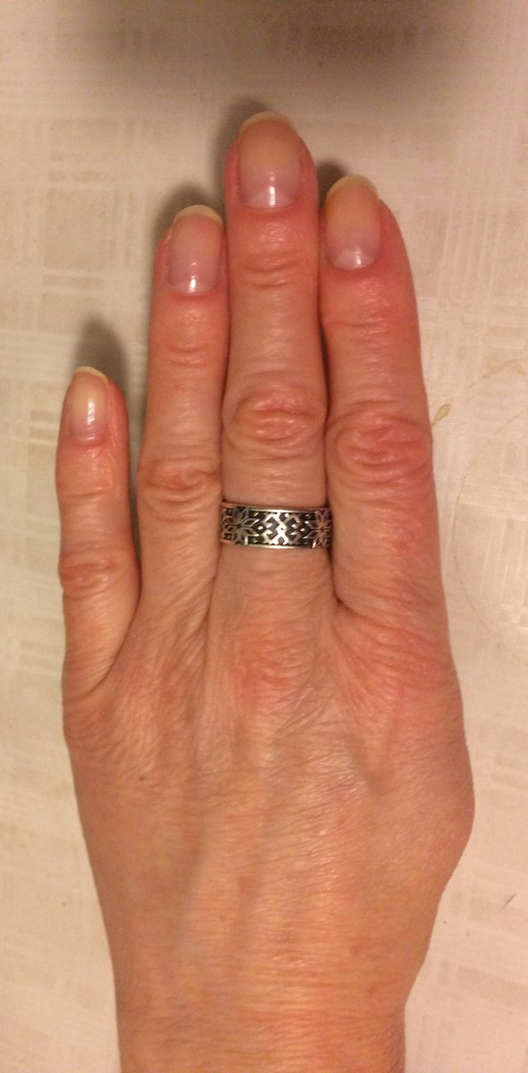 И это кольцо интересное, мне понравилось, ношу с удовольствием.
