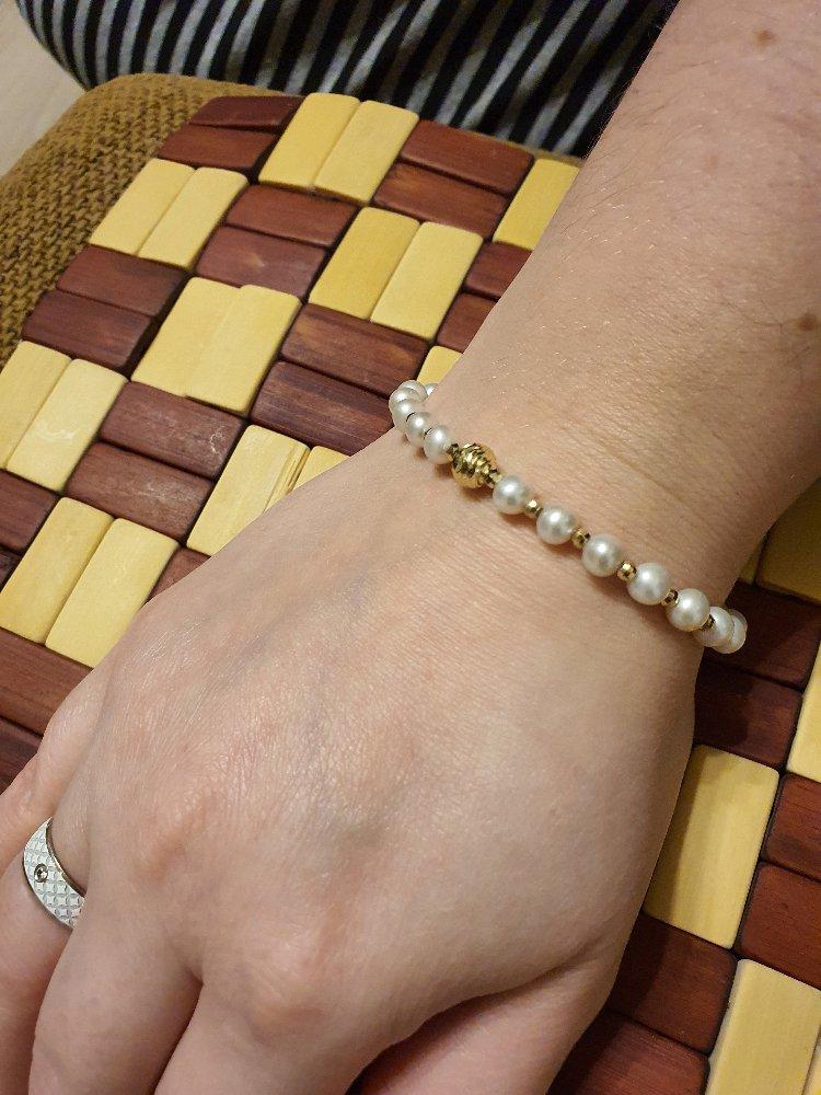 Красивый, нежный браслет
