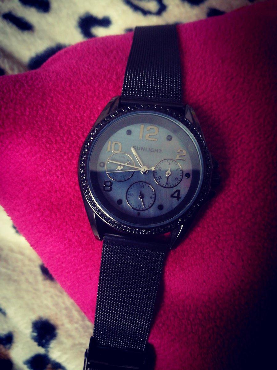 Классические часы, элегантно