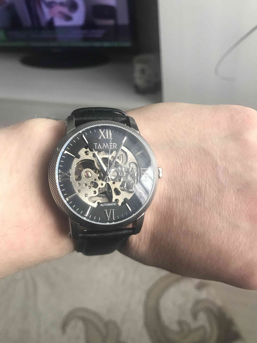 Очень хорошие и удобные часы рекомендую