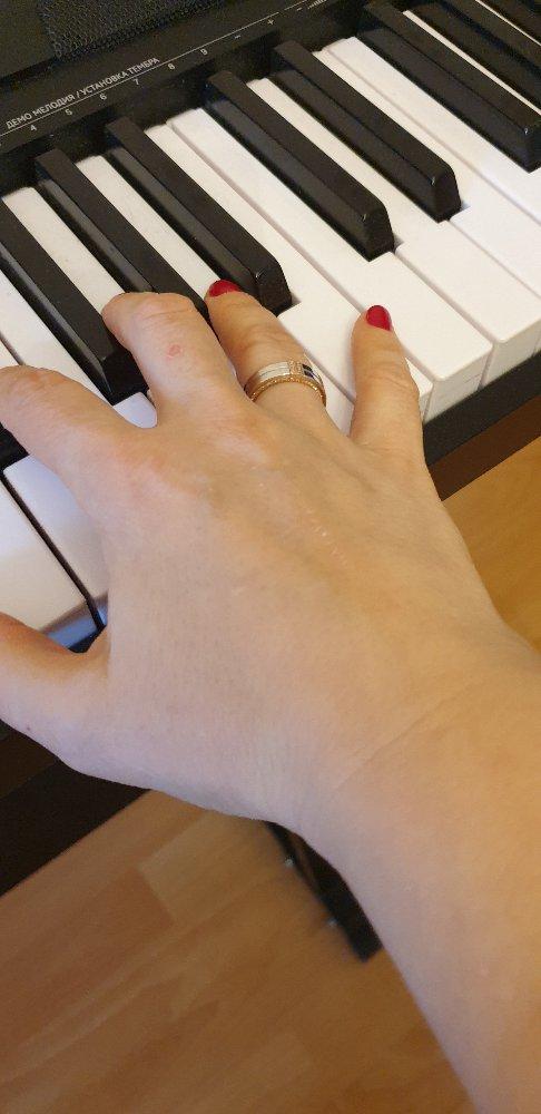 Роскошное кольцо для венчания или свадьбы.