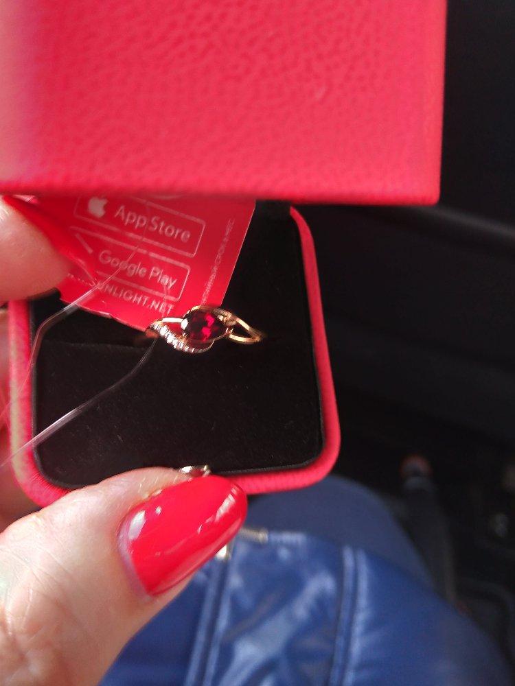 Кольцо с гранатои и бриллиантами