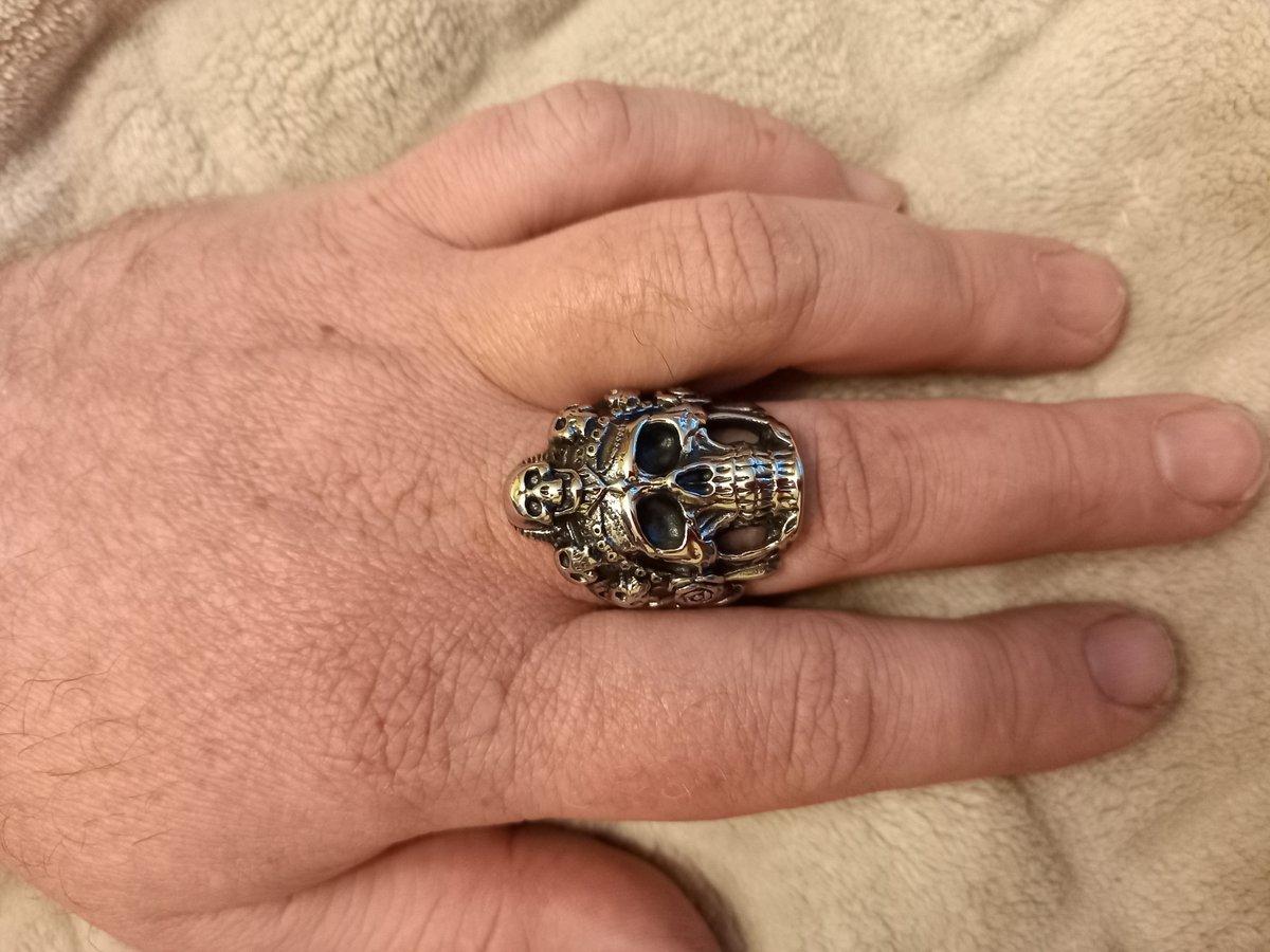 Кольцо - череп