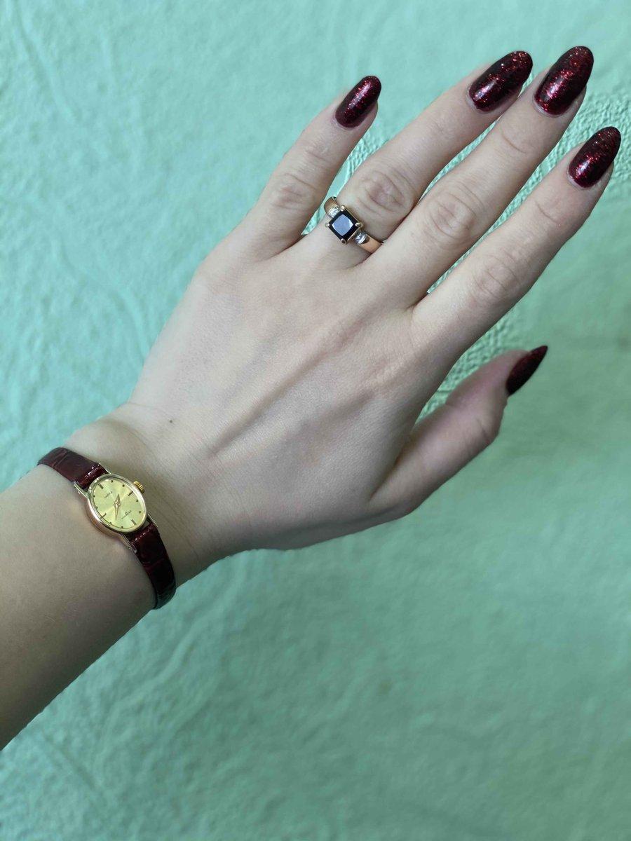 Шикарное кольцо с гранатом