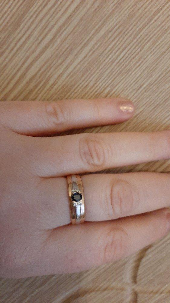 Красота.купила сама себе перстень. очень красиво смотрится.