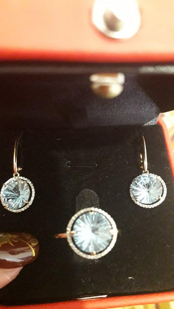 Золотое кольцо с отказом и бриллиантом