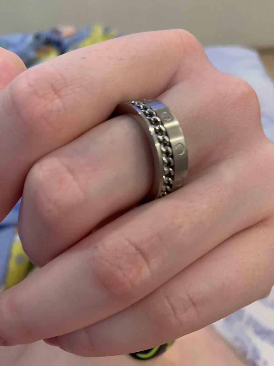 Отличное кольцо, массивное