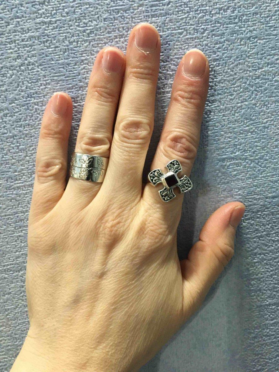Перстень в готическом стиле