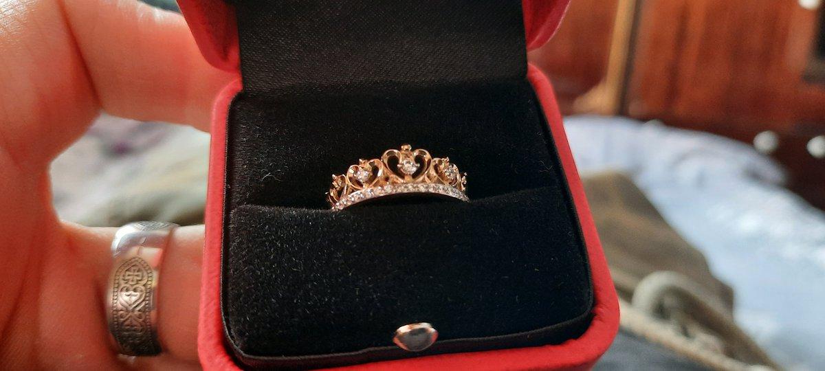 Кольцо девушке очень понравилось, она счастлива и согласна 😌