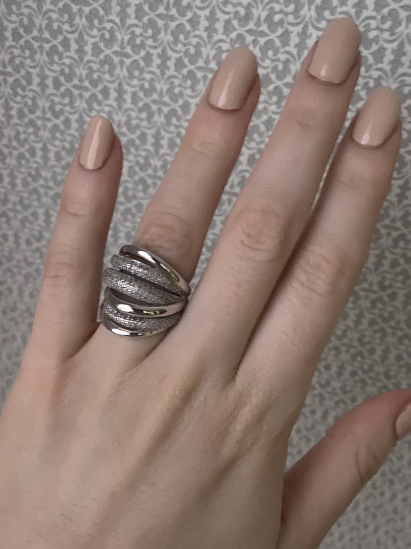 Очень красиво кольцо!