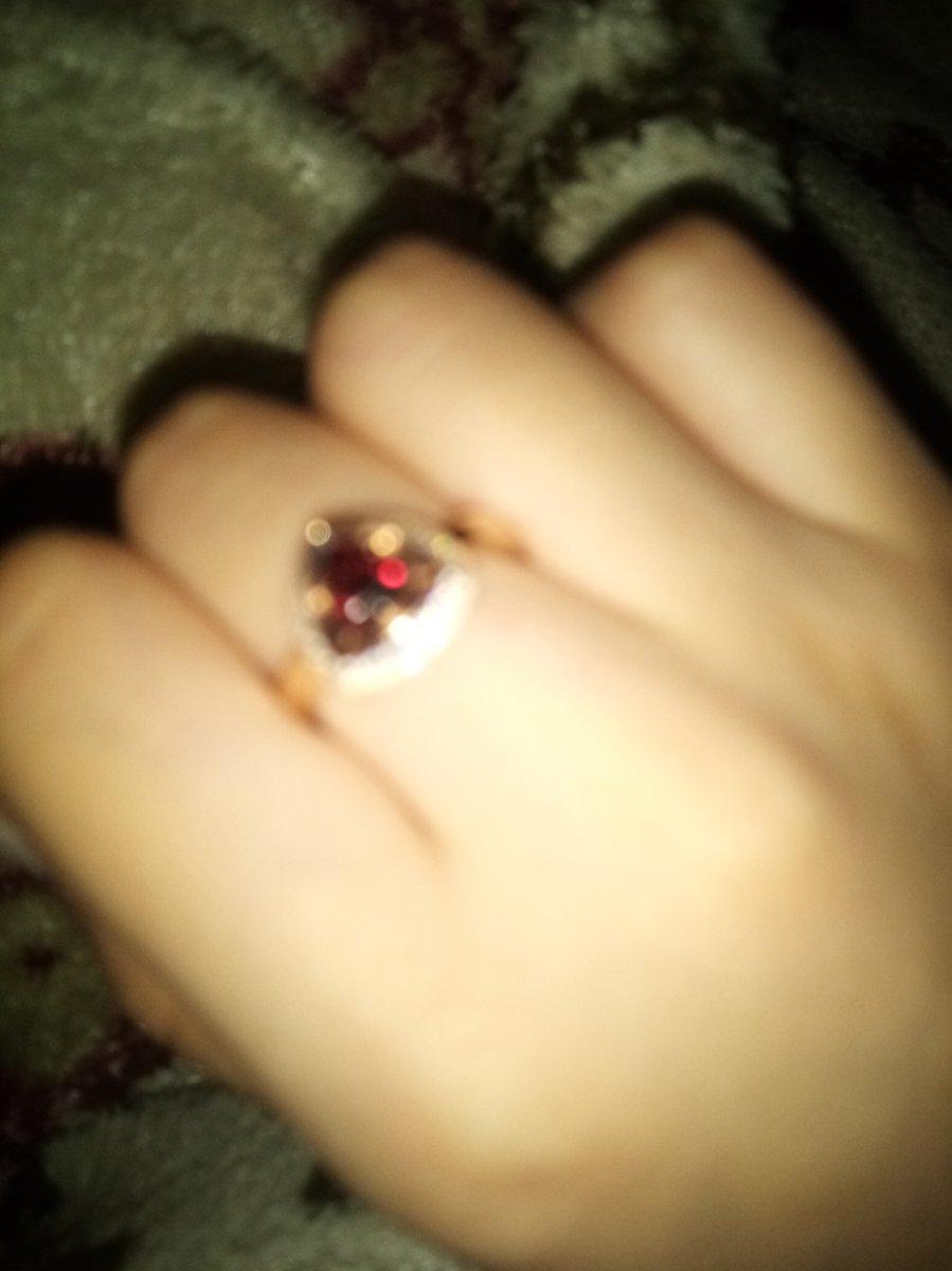 Великолепное кольцо из серебра с фианитами и природным гранатом