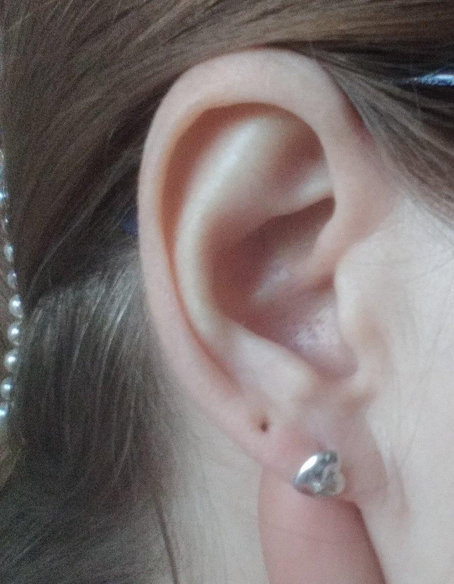 Серебряные серьги сердечки с бриллиантами