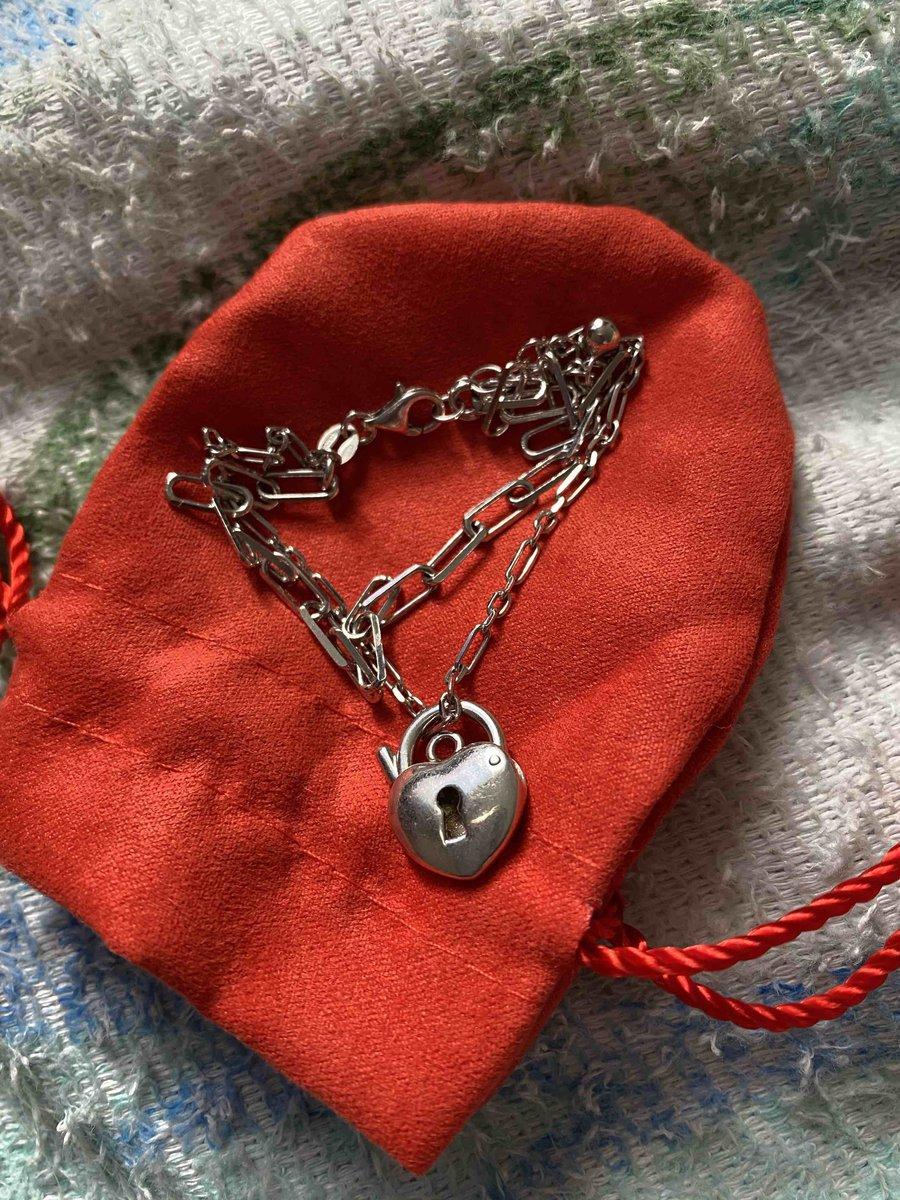 Отличный серебрянный браслет