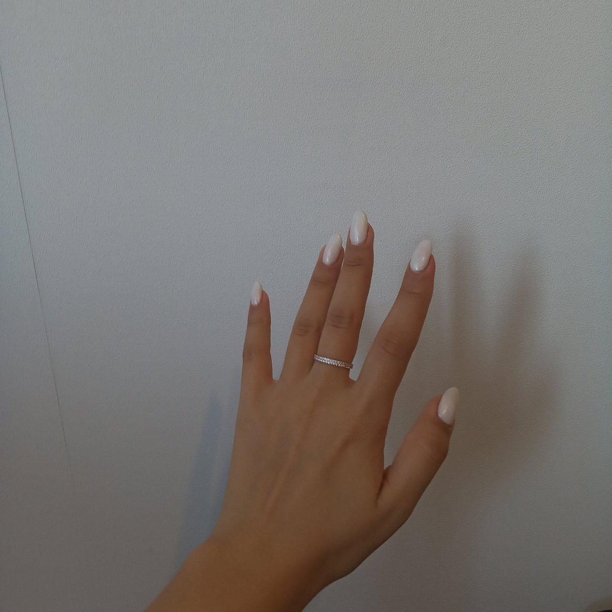 Это самое блестящее и изящное кольцо