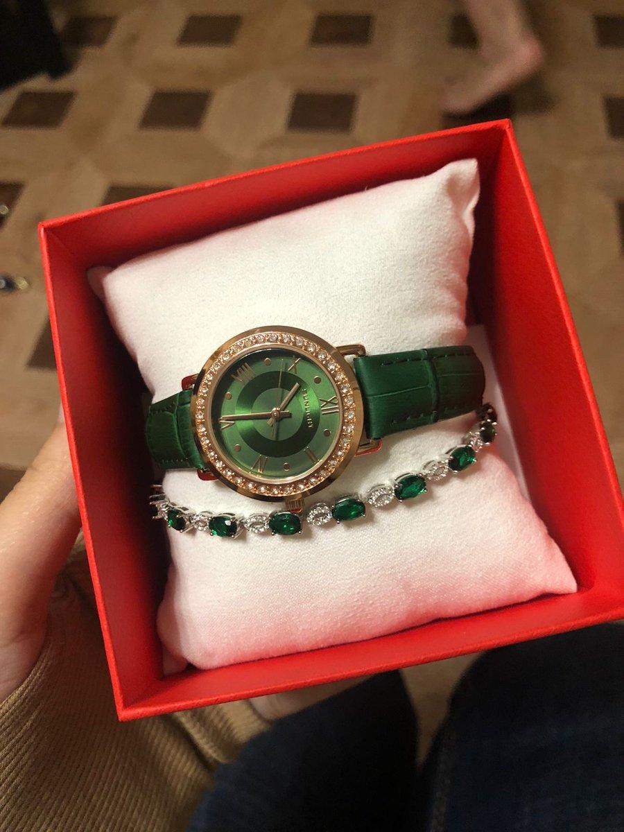 Часы зеленые