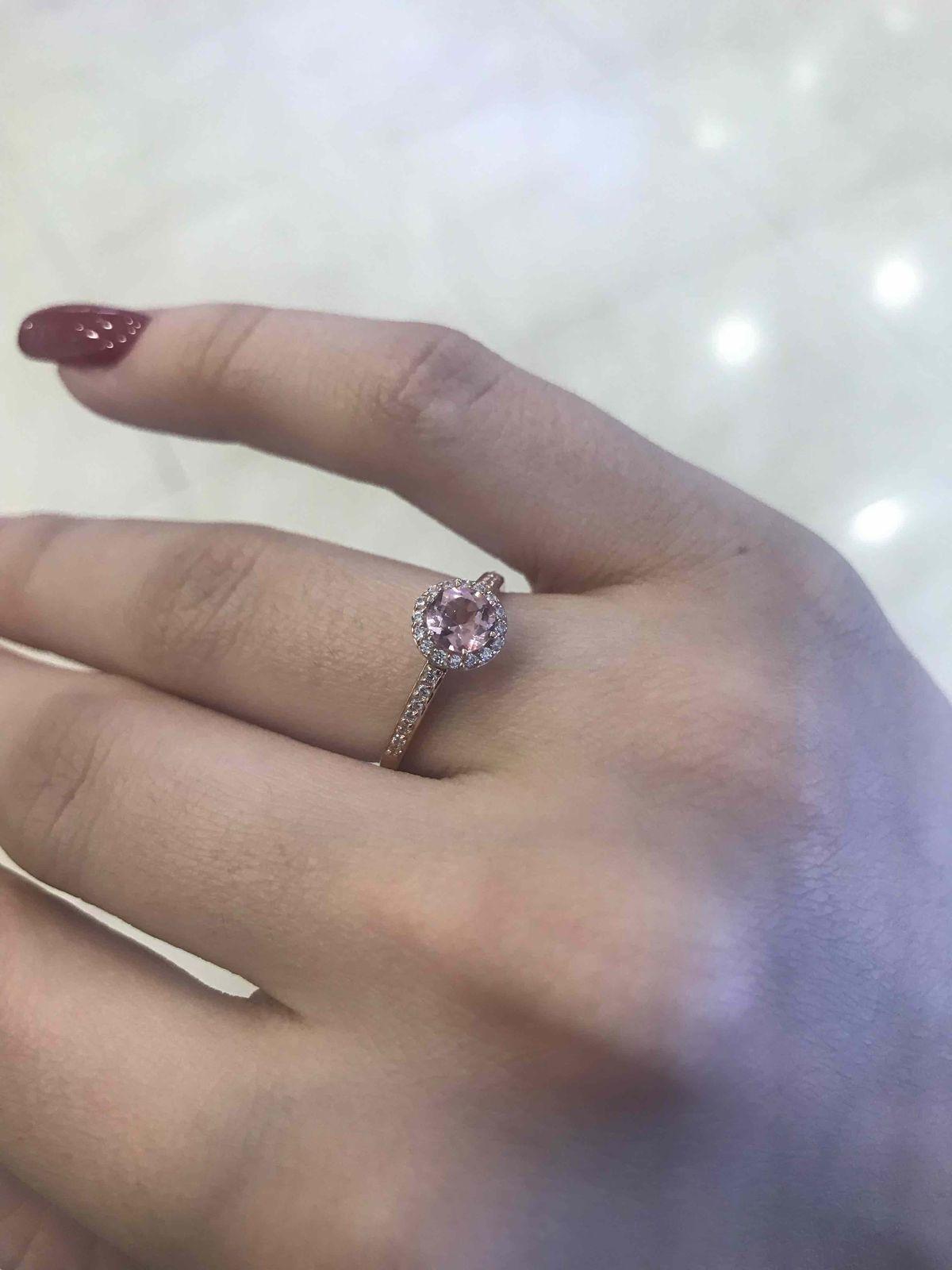 Нежное, красивое кольцо
