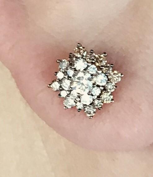 Серьги с коньячными бриллиантами!
