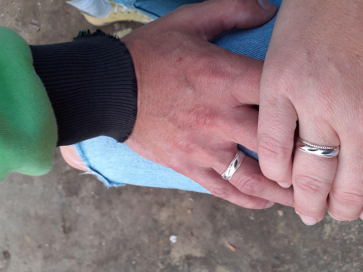 Кольца очень красивые, на руке смотрятся хорошо