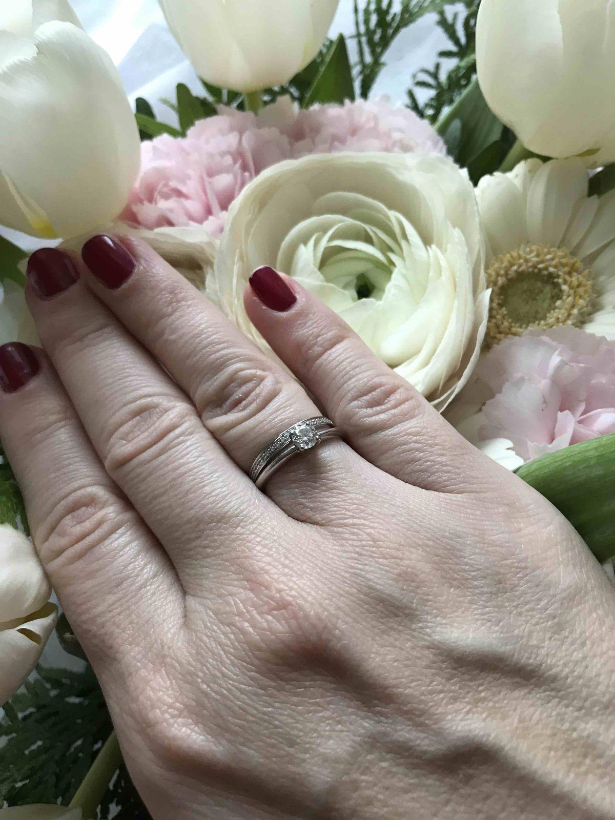 Кольцо белое золото с бриллиантиками