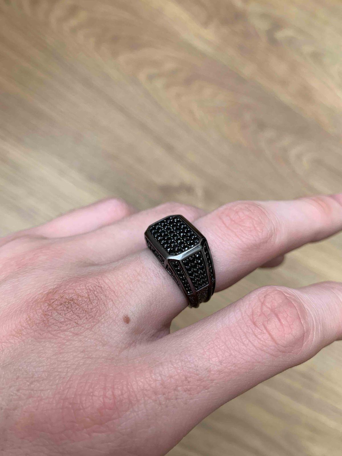 Хорошее кольцо, взял во время скидок