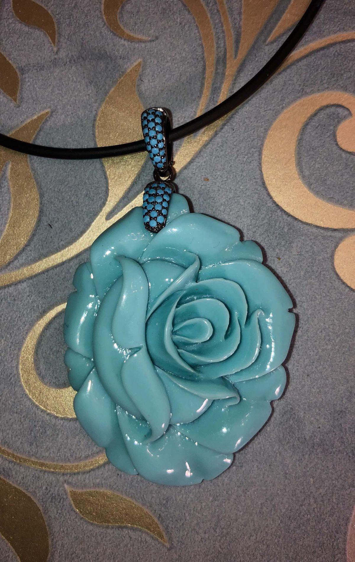 Прекрасная нежная роза!!