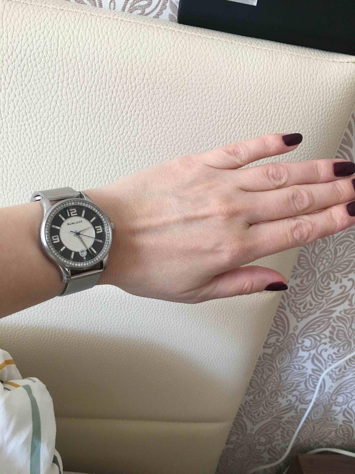 Этот браслет увидела на сайте, сразу понравился. идеально подошел.