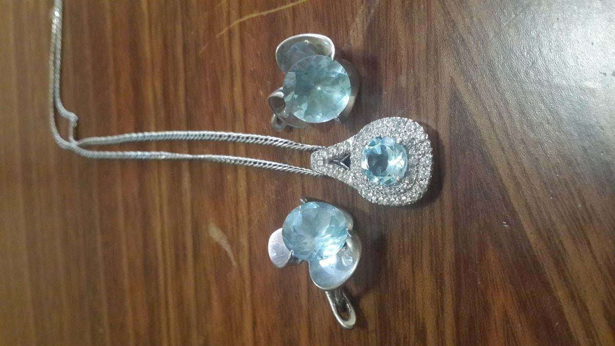 Серебрянная подвеска с топазом