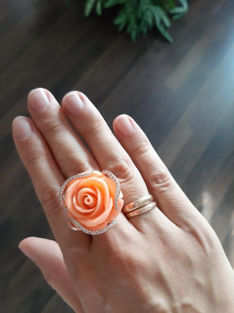 Большое красивое кольцо