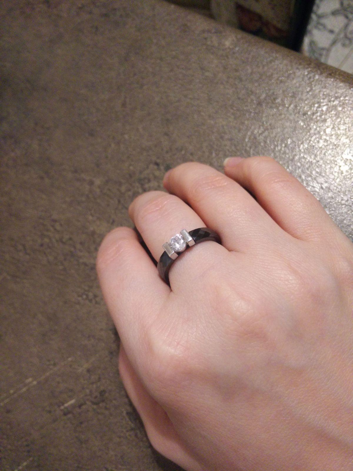 Рекомендую,кольцо модного дизайна!
