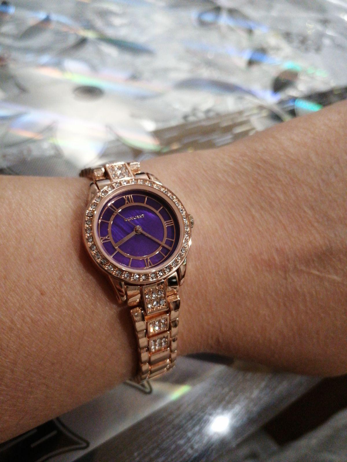 Очень красивые, аккуратные, милые, качественные часы!