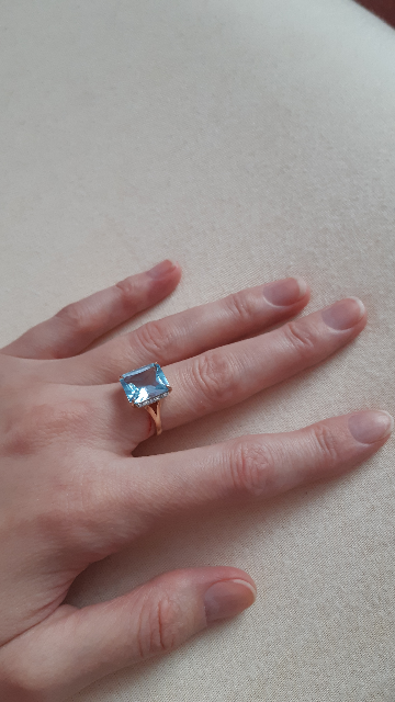 Кольцо очень красивое.