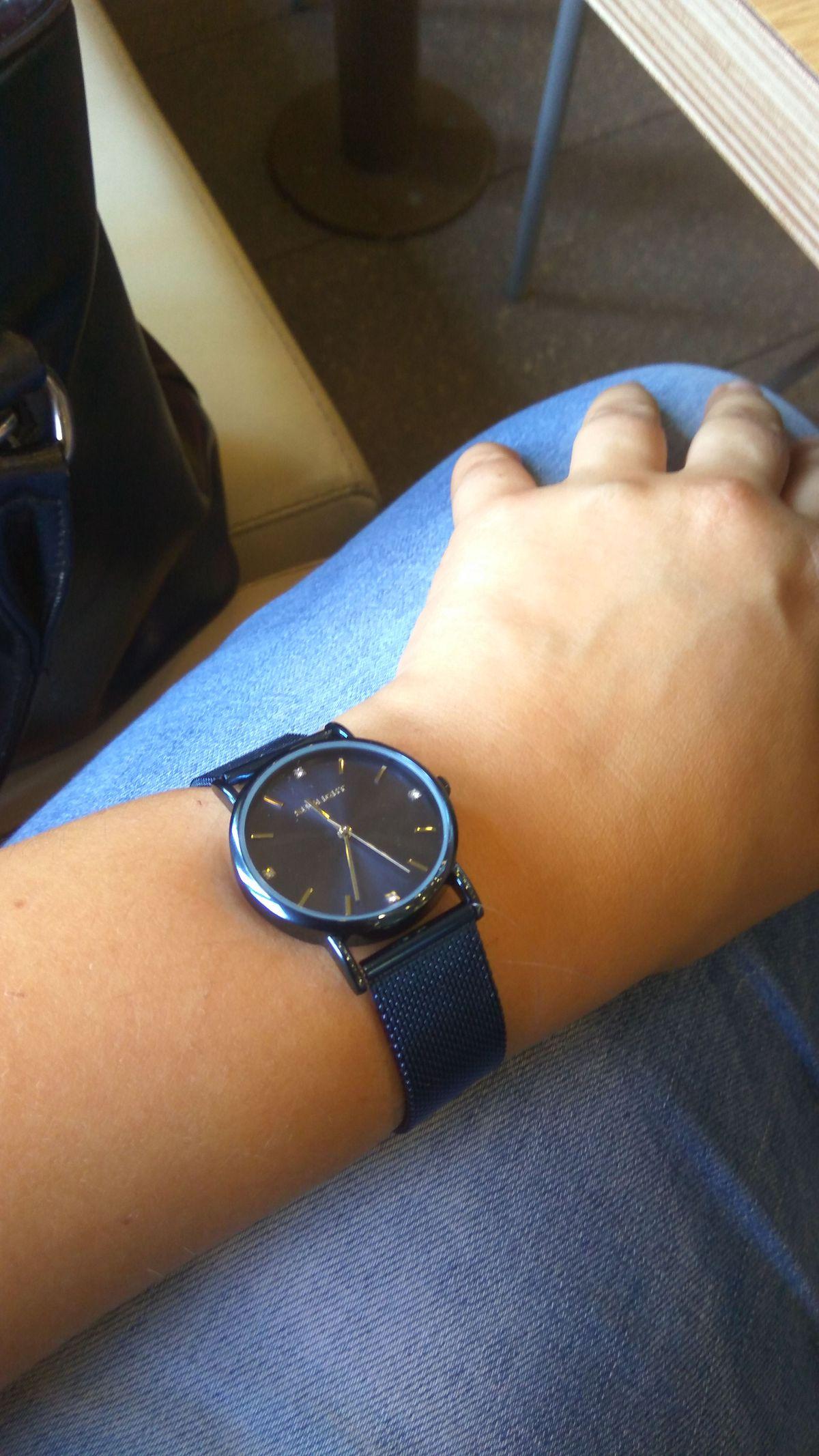 Потрясающие стильные часы