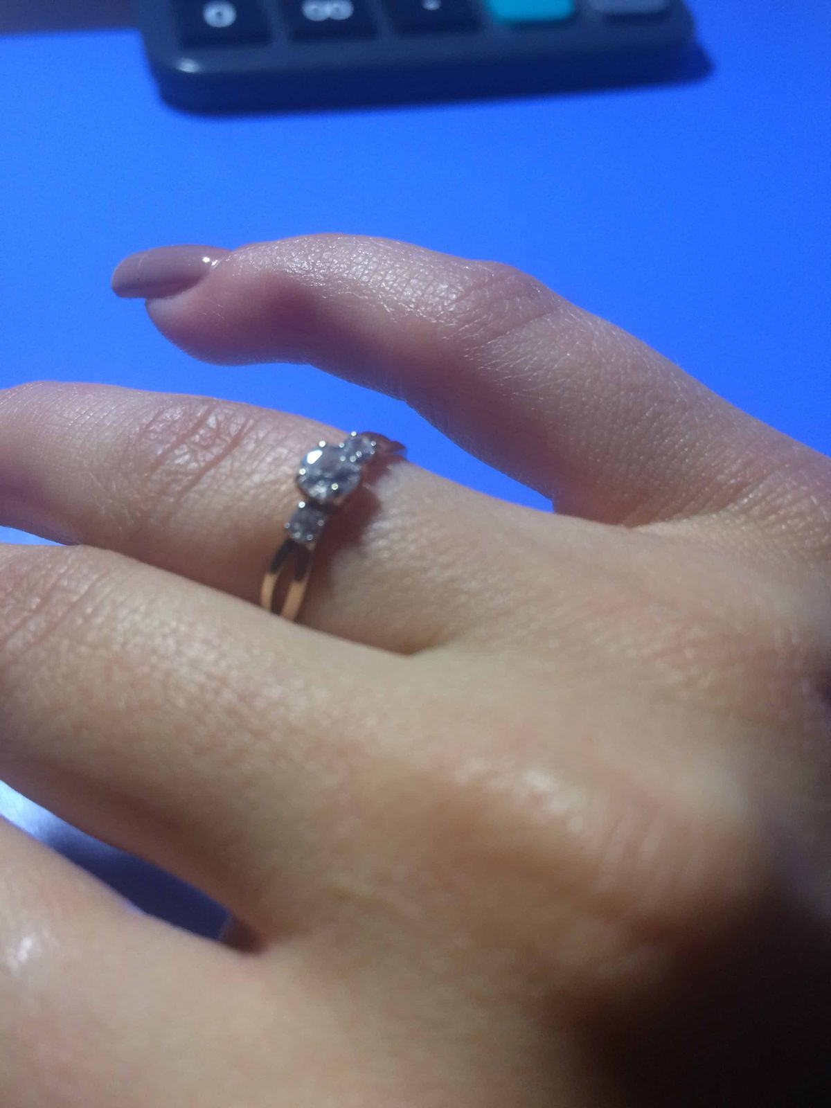 Порадовала себя кольцом