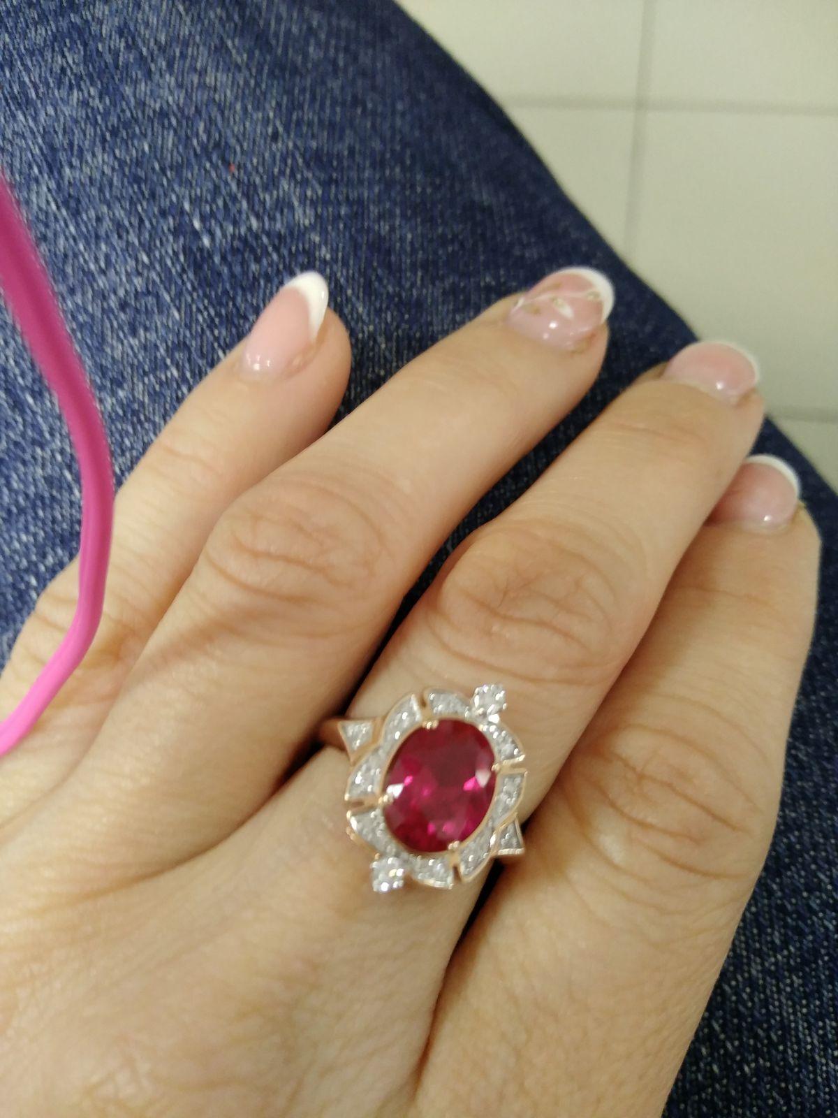 Кольцо с рубином и бриллиантами))