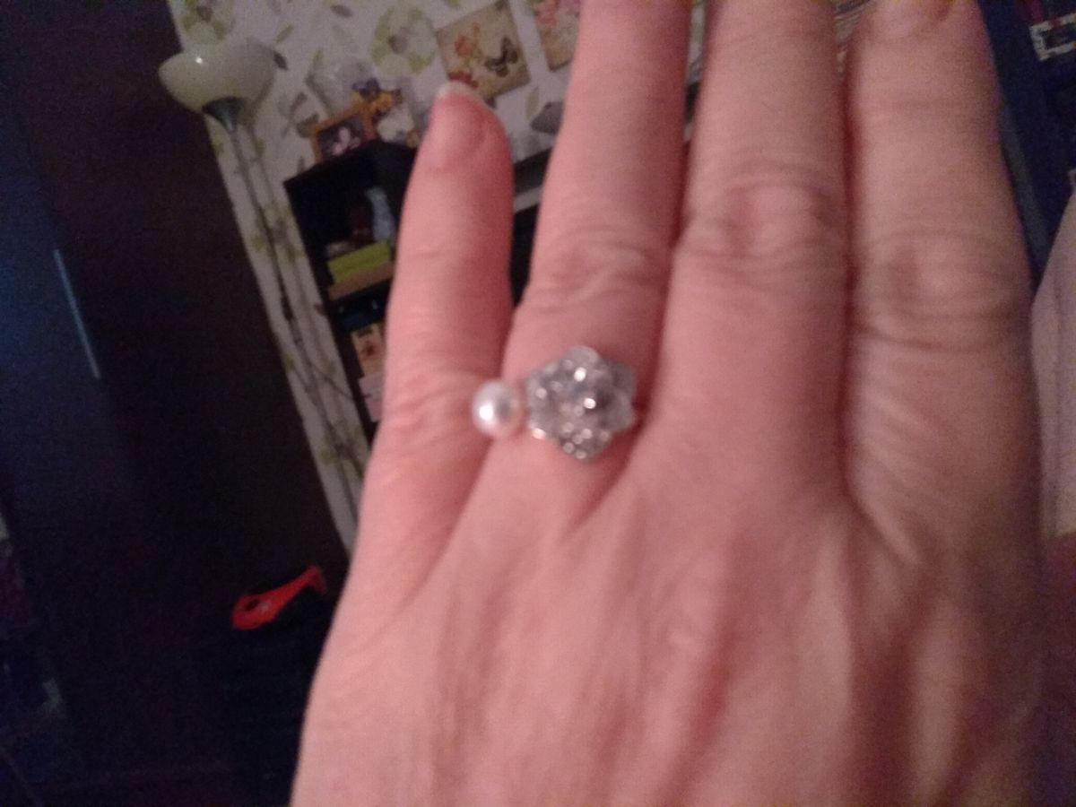 Модное незамкнутое кольцо