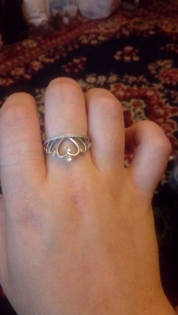 Кольцо в виде короны))))