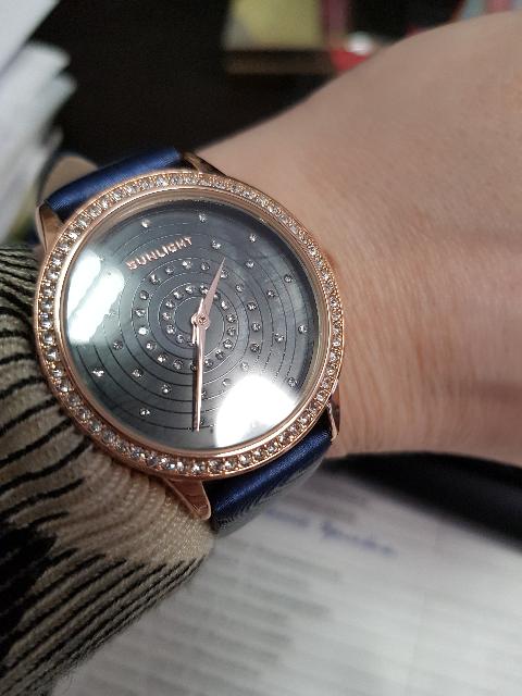 Очень эффективные часы!смотрятся дорого!рекомендую к покупке!
