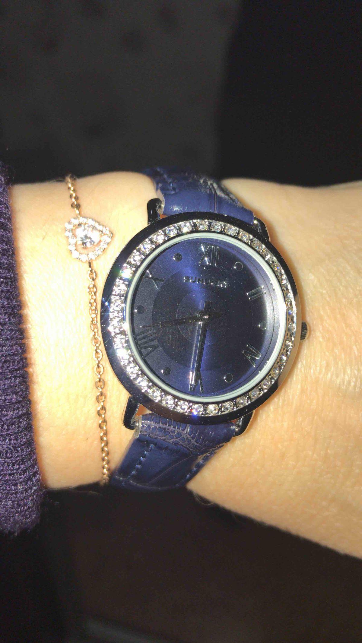 Часы синий циферблат