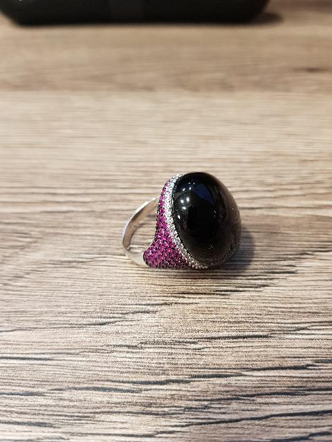 Перстень с черным камнем