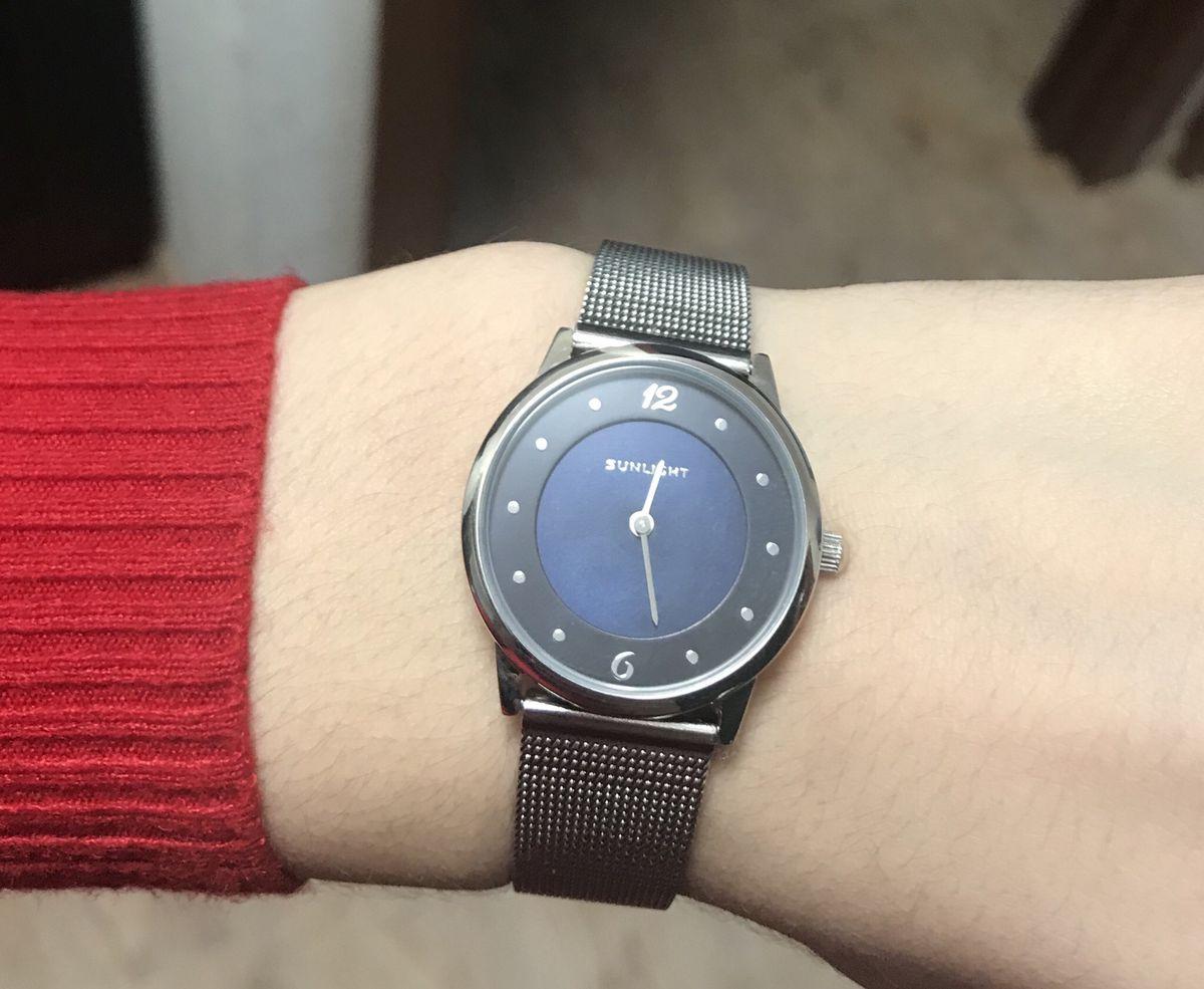 Часы стильные и аккуратные