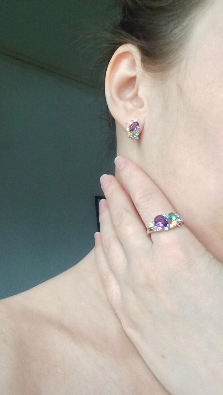 Яркие с цветными камнями серебрянные серьги