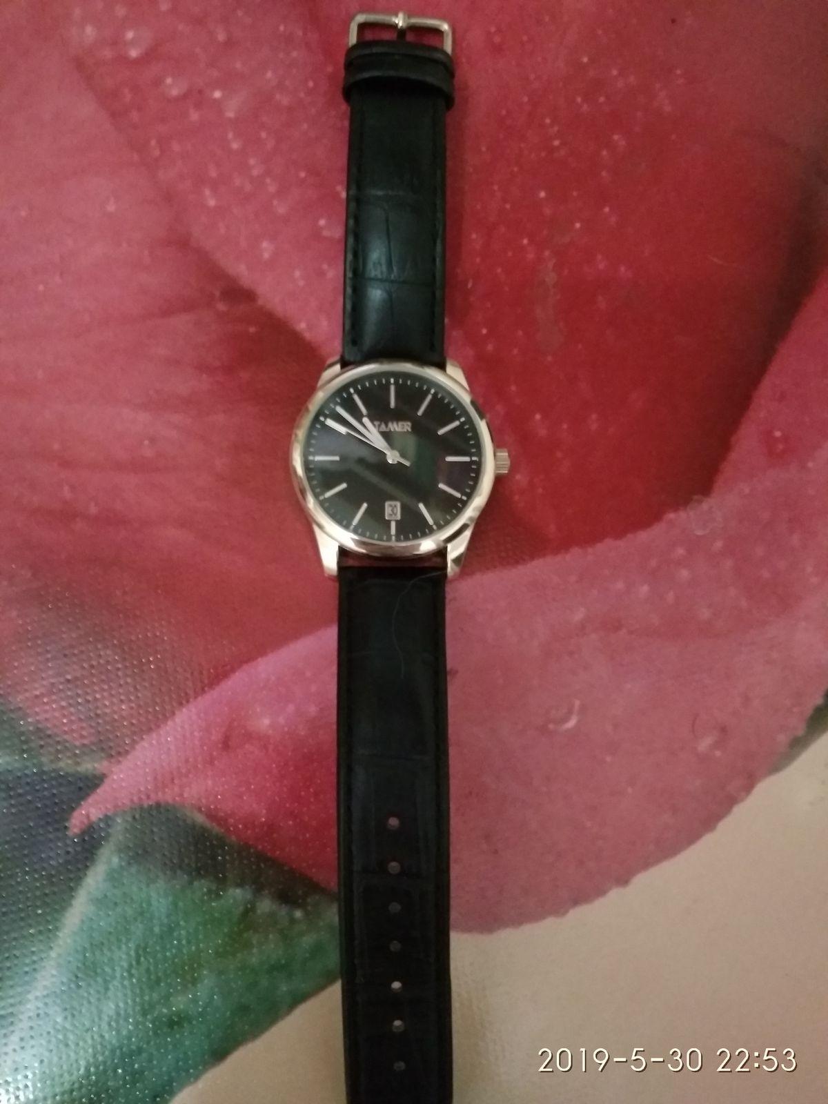 Недорогие, но стильные часы.