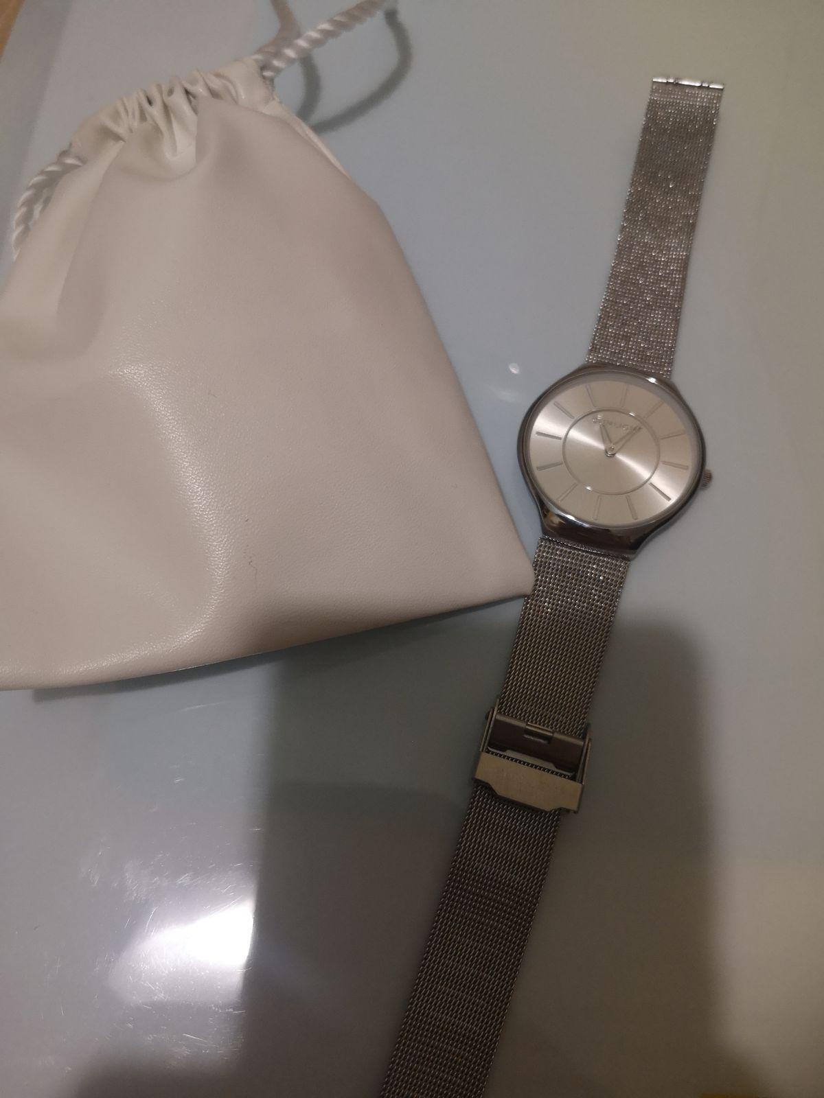 Очень красивые и качественные часы.