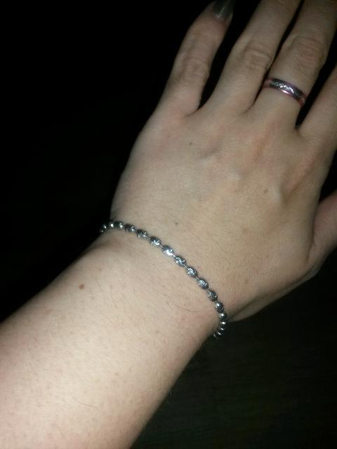 Милый серебряный браслет