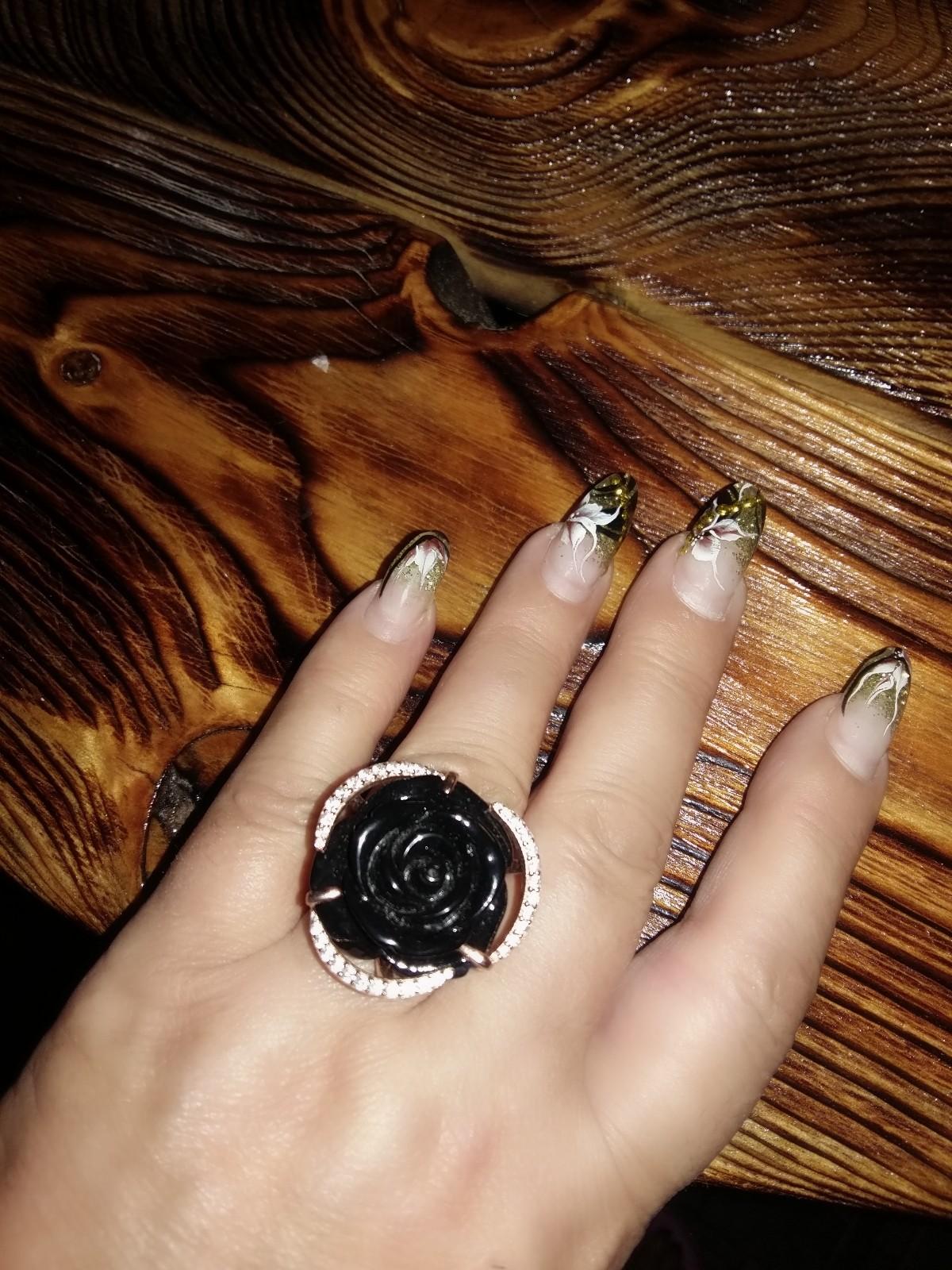 Кольцо красивое,большое!))